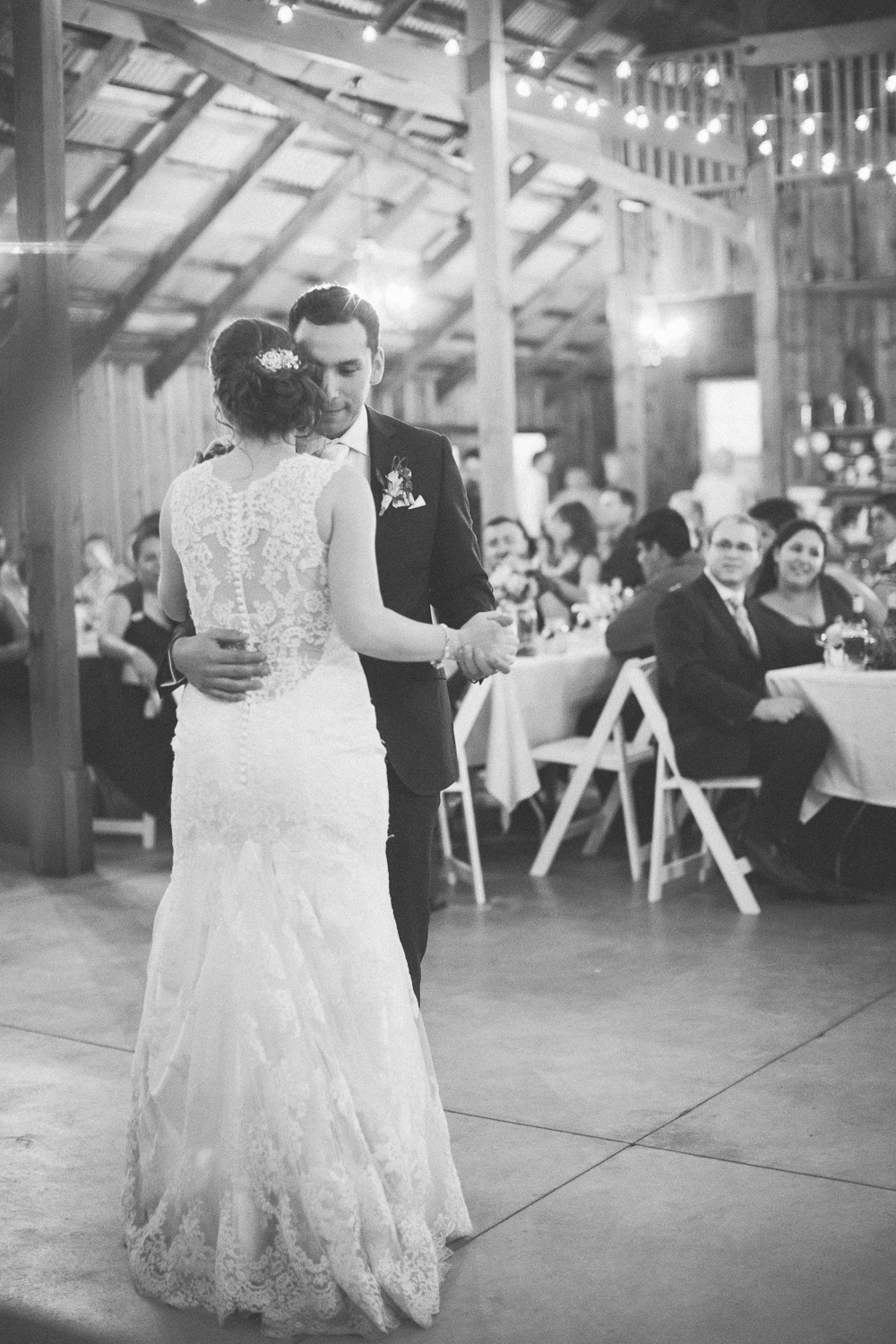 galas barn oakdale wedding photographer