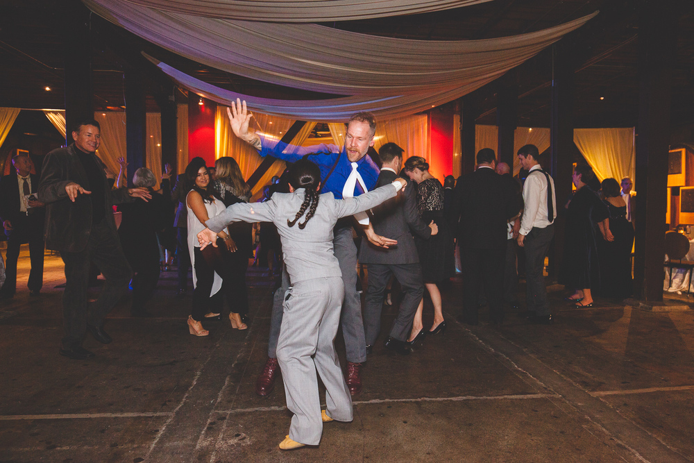 epic dancing photo wedding