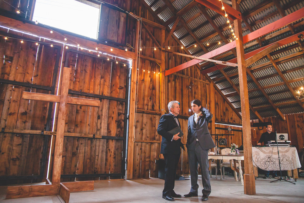 galas barn wedding ceremony
