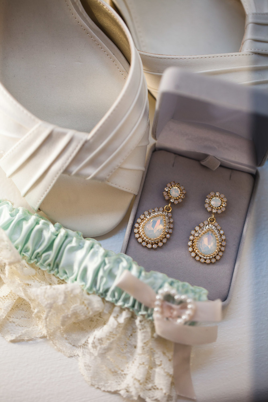 wedding garter.jpg