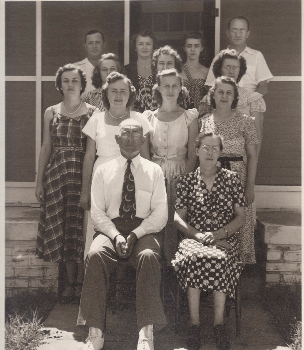 Sam & Dorothy Everett with their 11 children