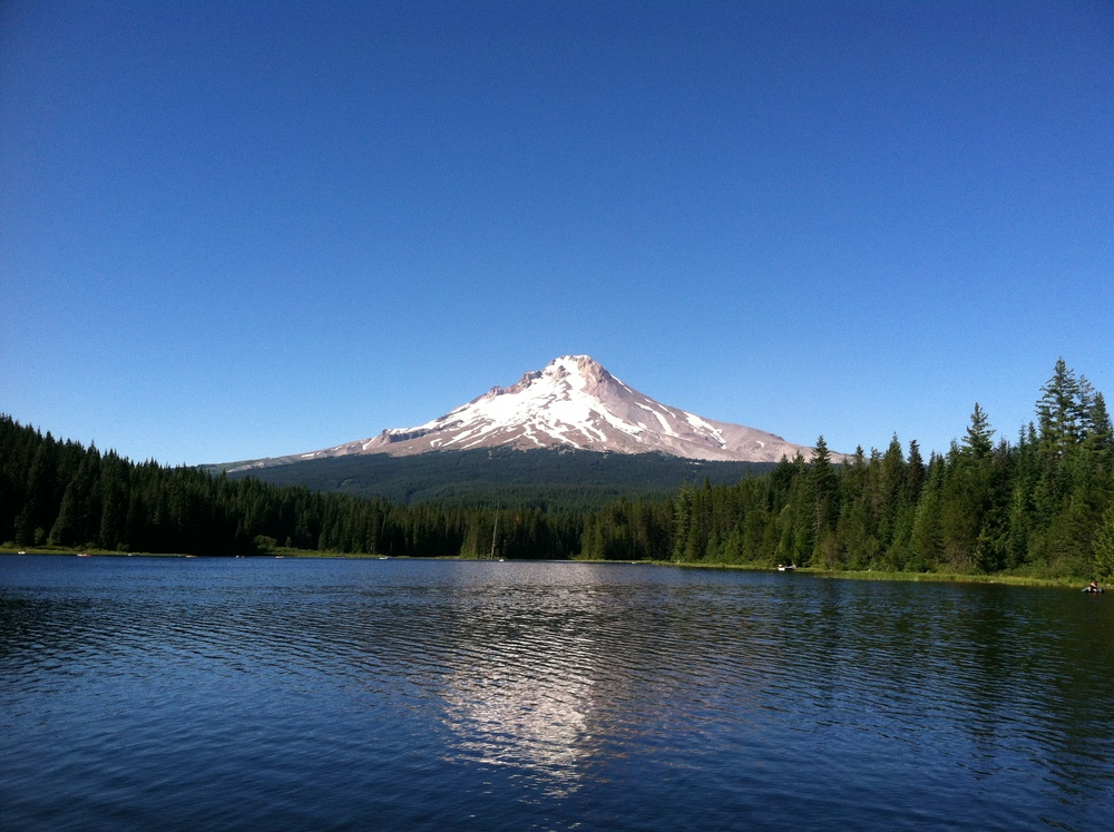 trillium lake.jpg