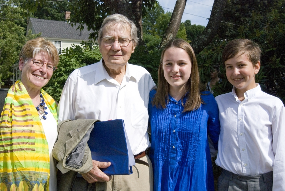 Jan Freeman with Galway Kinnell and his grandchildren, Mirah and Ephraim Kozodoy. (Photo (c) Chelynn Tetrault)
