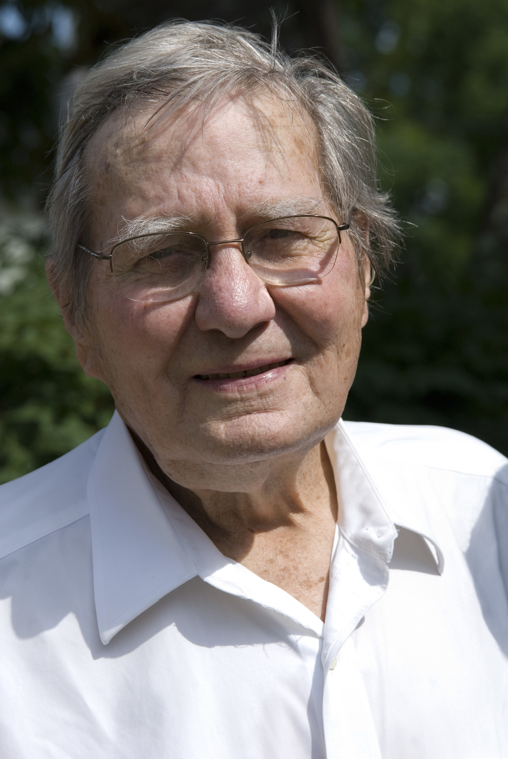Galway Kinnell in Ashfield, MA, following his extraordinary poetry reading. Photo (c) Chelynn Tetrault Photography
