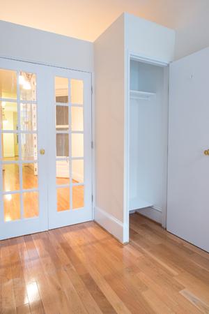 1. bedroom.jpg