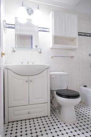 2. bathroom.jpg