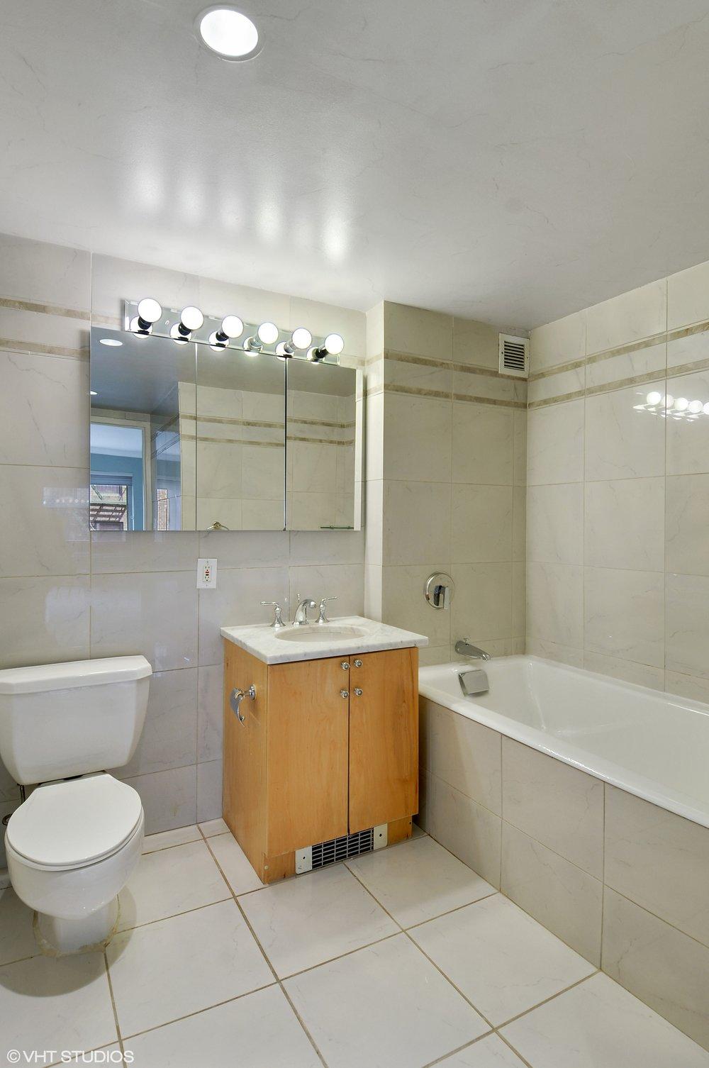 08_359W11thSt_Apt5AB_8_Bathroom_HiRes.jpg