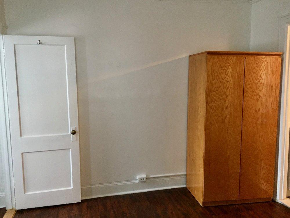 Nice Wardrobe & door.jpg