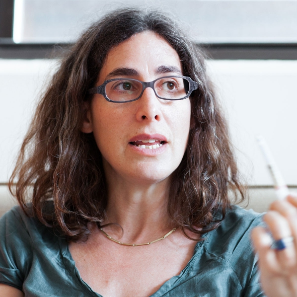 sarah-koenig-serial-podcast.jpg