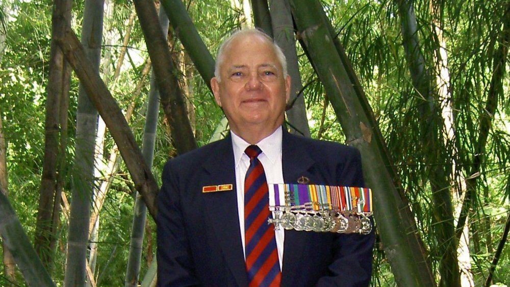 Lt-Col Barry Petersen MC at Hellfire Pass in 2008