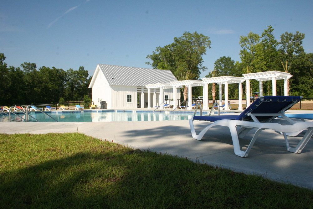 Poolside at Foxbank Plantation