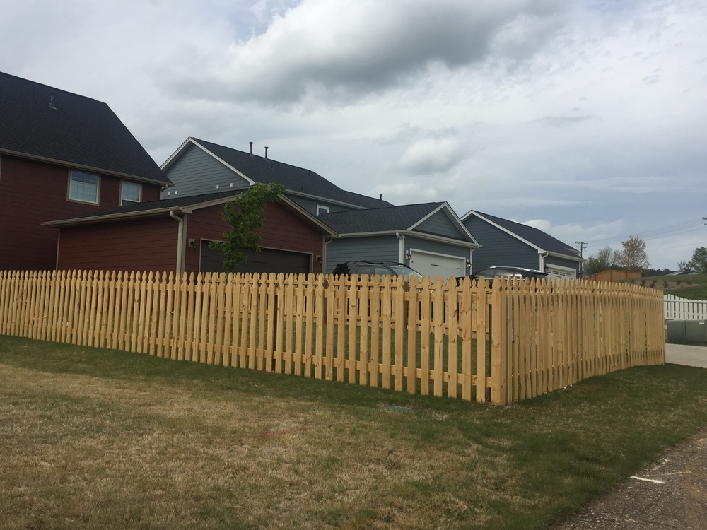 5' Rear Gothic Picket Fence (unpainted & unstained)
