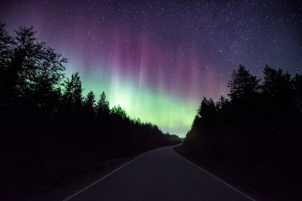 Road To Aurora - Nikon D810 & Nikkor 14–24 mm f/2.8 - ISO 3200, 14 mm, f/3.2, 15 sec.