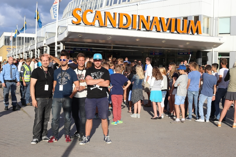 Outside Scandinavium, hours before the show at Gothia Cup Music Festival. Image by Fia Jacobsson