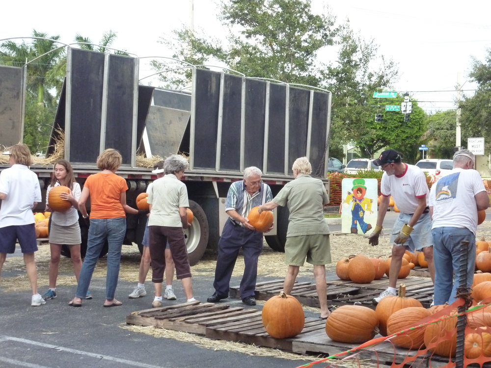 20130113 pumpkin patch unloading.JPG