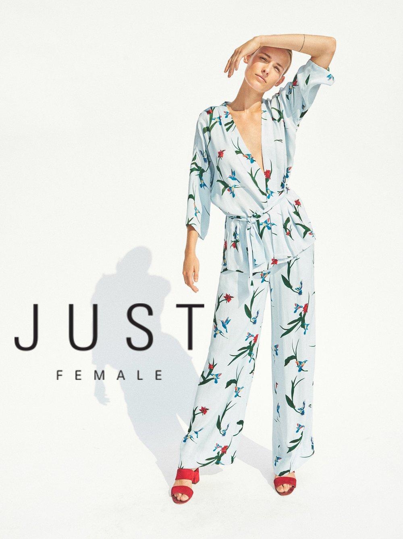 JUST_FEMALE_07_031.jpg