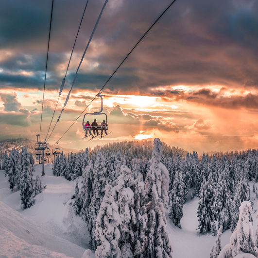 Mt Seymour is Vancouver's only family owned and operated ski hill delivering a relaxed West Coast feel only 30 minutes drive from downtown Vancouver. Enjoy a free night time lift ticket with your KNOWSHOW badge.