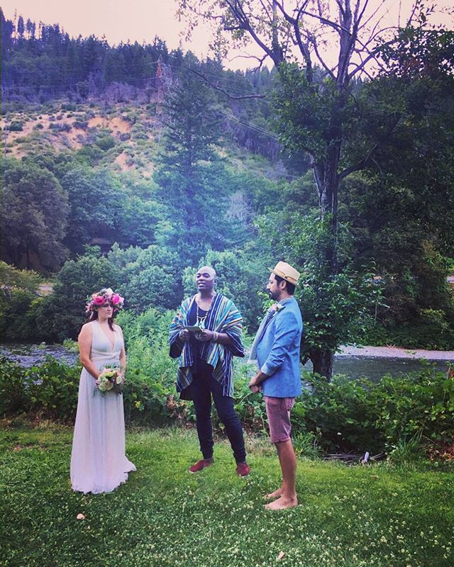 Marrying a couple in a Nordic #wedding honoring #odin and #freya and #nature #spirits such a beautiful heart felt ceremony. #shamandurek #loveistheonlyway #romance