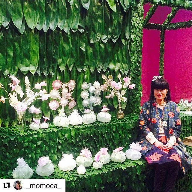 Mi amore'@_momoca_ go see art exhibition. ・・・ While I was setting up my flowers at FOG DESIGN+art. Come visit at Fort Mason... It goes until Sunday... #fogfair #fogfair2017 #fogdesignatt