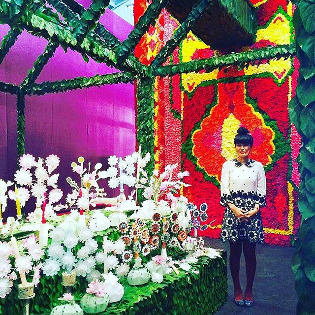 My amore is on fire her art is amazing and passion to share her gift is a gift in itself love you @_momoca_ Go check her out in #sanfrancisco ・・・ 🌺🌼Garden of Momoca Flowers 🌼🌺 #fogfair2017 #fogdesignandart #fogdesign #fogfair