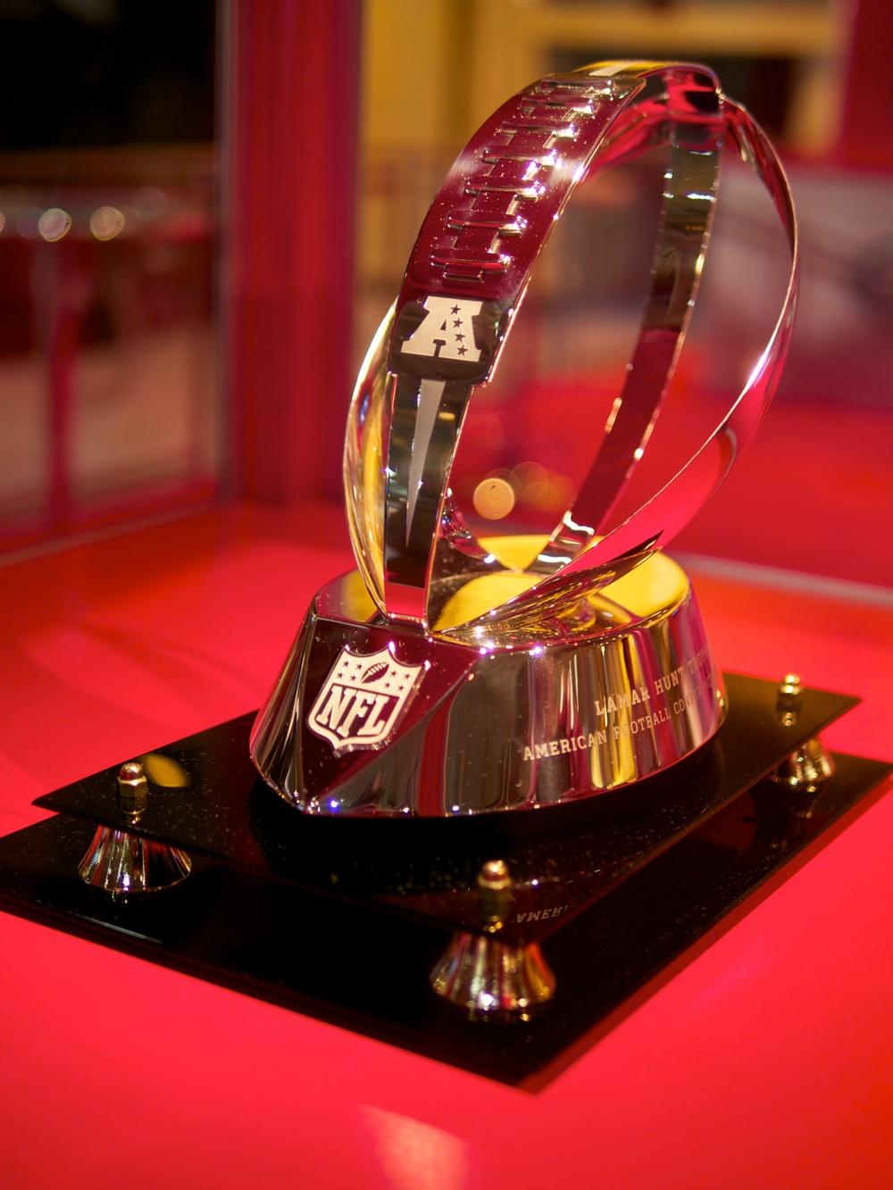 Lamar_Hunt_Trophy_-_AFC_Championship.jpg