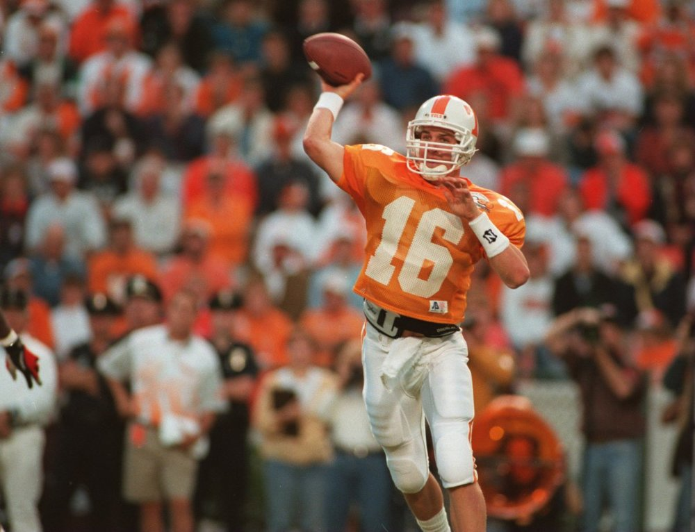 during-peytons-first-quarterbacks-meeting-as-a-freshman-at-tennessee-the-other-quarterbacks-were-an-hour-late-because-manning-locked-the-doors-to-the-building.jpg