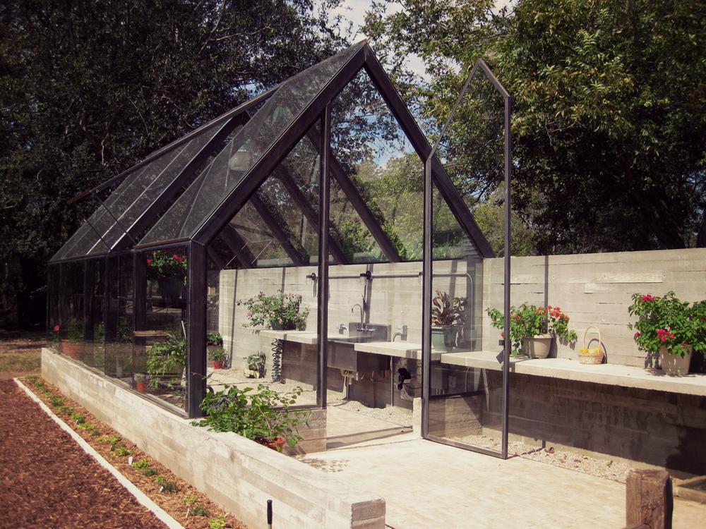 Riverfront greenhouse pavonetti arch for Modern greenhouse design