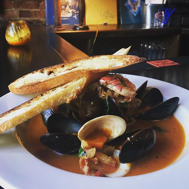 As if our scallops weren't enough, here's another special for tonight... Seafood Cioppino! #cioppino #eatwithoutguilt #parkandsixth #jerseycity #dinnertime🍴