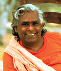 swami_vishnu_devananda_medium1.jpg