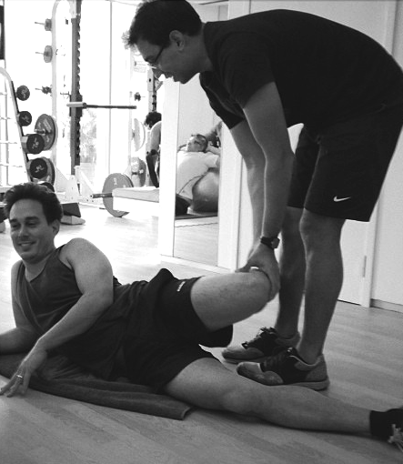 Personal Trainers in Singapore, Carl jan De Vries, IFC PT, IFC Personal training, Stretches.jpg