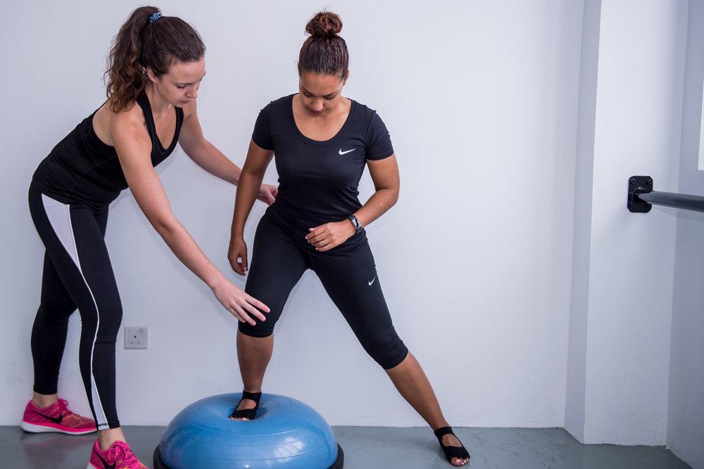 IFC-Wellness Physiotherapy & Sports Massage Hongkong St Nat & Sinead Bosu Ball