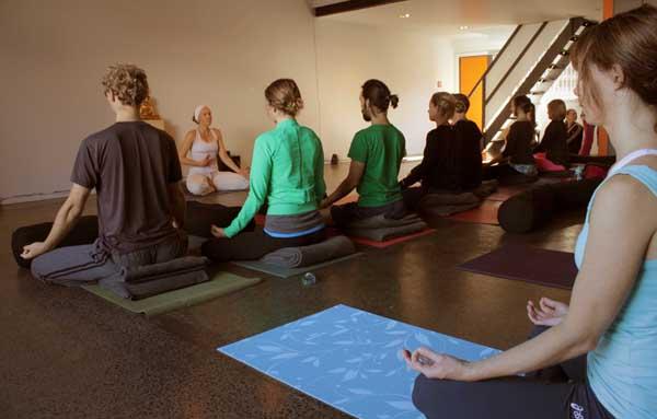Yoga Auckland_Golden Yogi_Erin O'Hara Kundalini Yoga Class