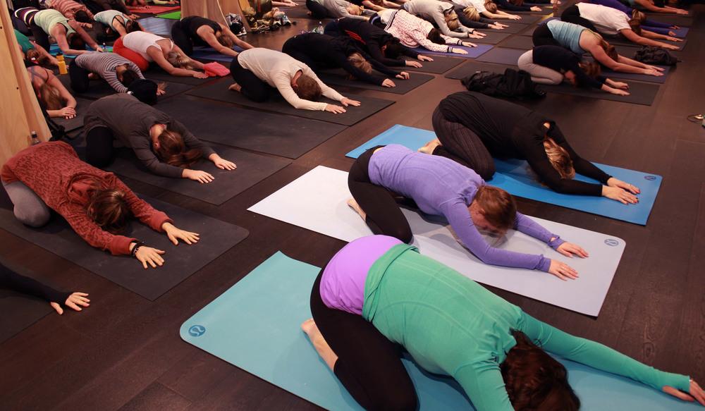 Free Yoga classes Auckland_Golden Yogi_Love LululemonAthletica_lululemon Takapuna_GoldenYogi.jpg