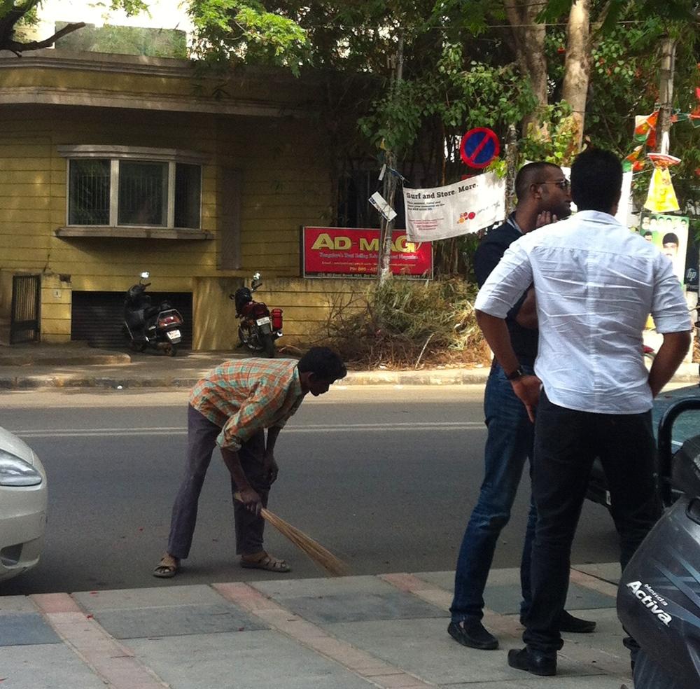 Street sweeper, Bangalore (2014)