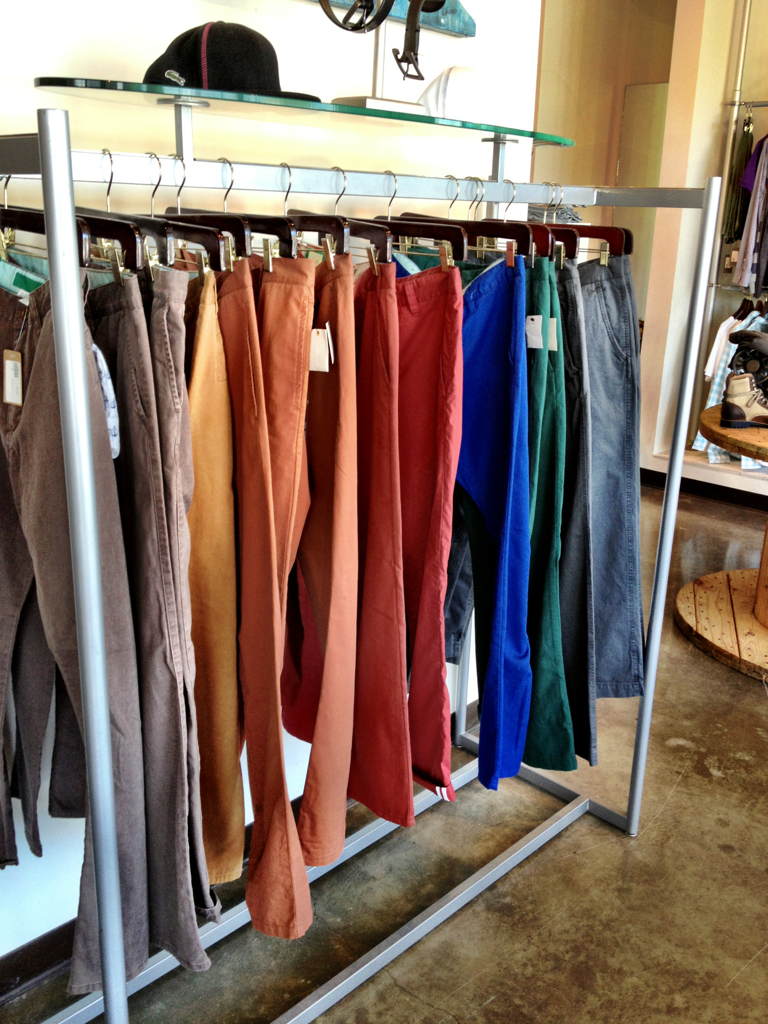 Beaucoup CHINOS, Beaucoup COLORS!
