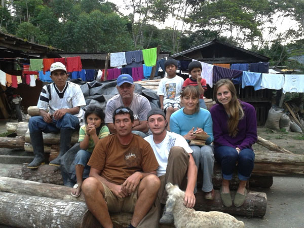 Just hanging outside at the finca. Starting at the back left: Anderson (Paty's son), Choque's son, Choque, Harry (Selena's cousin), Nayelia (Paty's daughter), Harry, Selena, me, Elvis (Selena's cousin), Jose (Selena's son).
