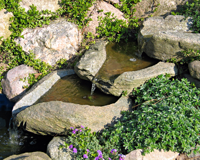 CascadeBasins Waterfall.jpg