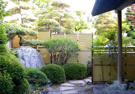 garden-414730_orig.jpg