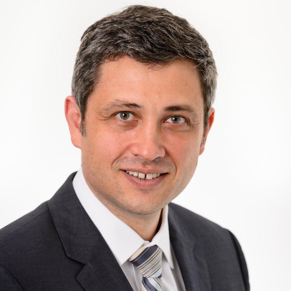 Dr Daniel Novakovic
