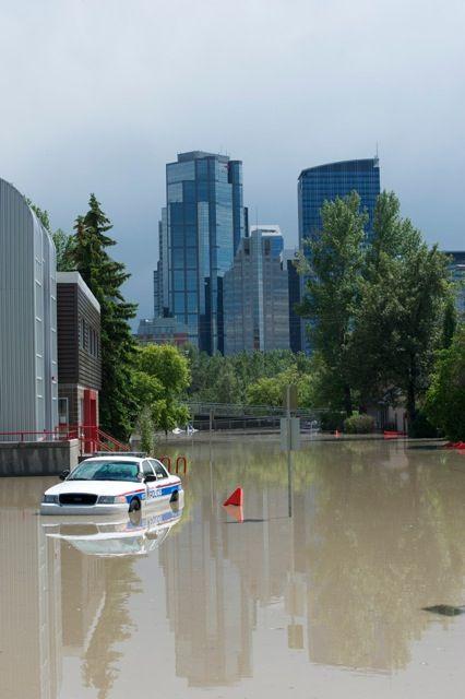 Calgary flood pictures, general contractor Calgary, renovations, restoration company, contractor Calgary 15.jpg