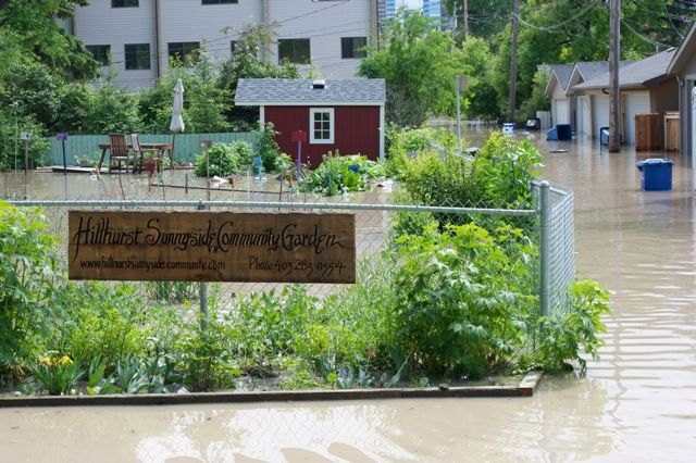 Calgary flood pictures, general contractor Calgary, renovations, restoration company, contractor Calgary 13.jpg