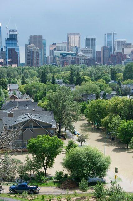 Calgary flood pictures, general contractor Calgary, renovations, restoration company, contractor Calgary 12.jpg