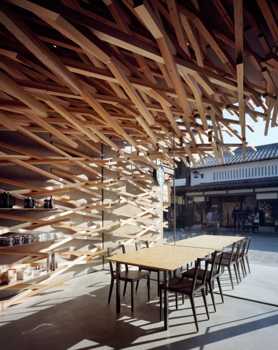 Kengo Kuma - Starbucks Coffee at Dazaifutenmangu Omotesando