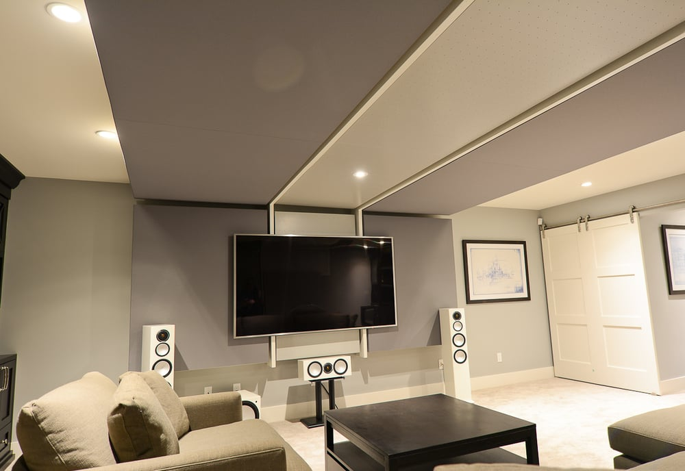 Home theatre / family   room  by Harmony Home Projects Inc.