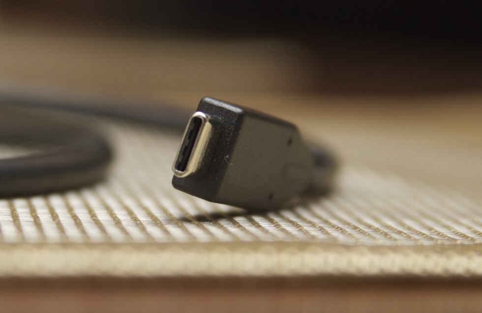 USB Type-C. Image courtesy of Ars Technica.