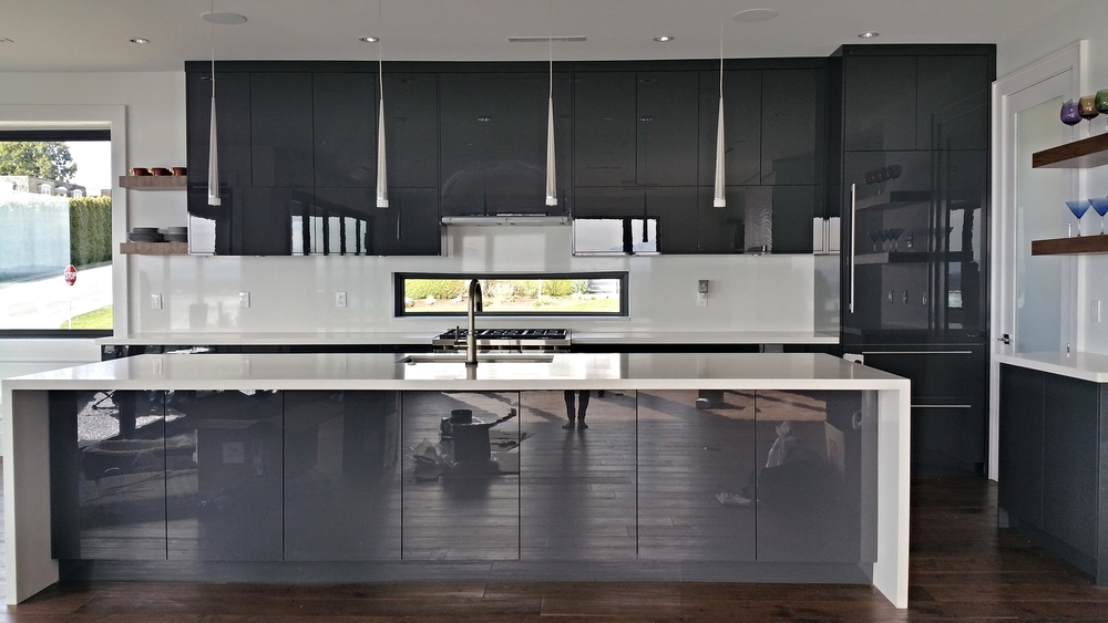High Gloss Kitchen With Clean Handleless Doors, Drawers And Integrated  Appliances. / March 18, 2015 By Amar Jitla