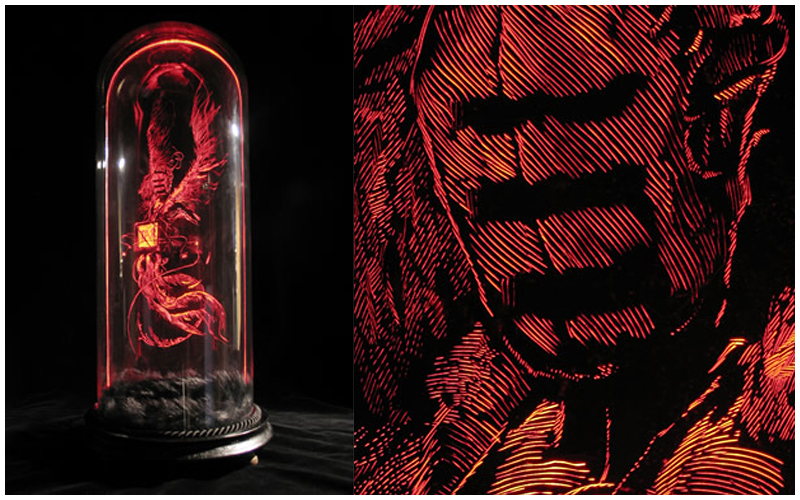 Daniel van Nes  		 	 	  TAR & FEATHERS Illuminated engraving with antique glass dome 50cm x 22cm  € 3.250