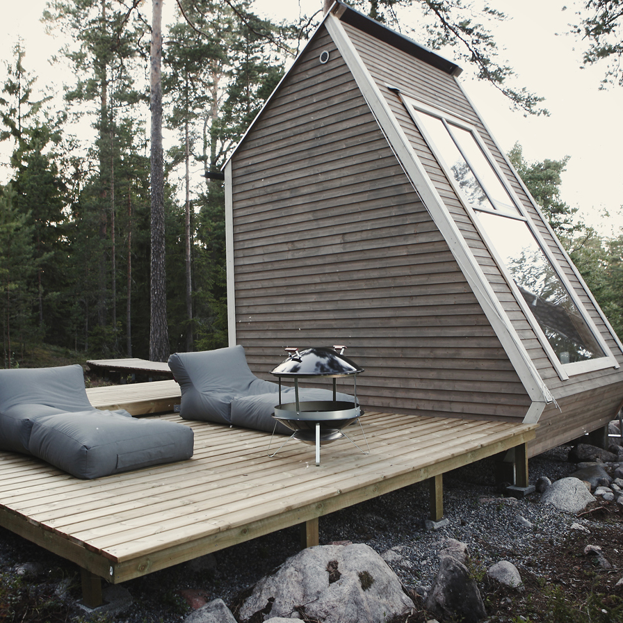 Modern Tiny House Cabin: ROBIN FALCK