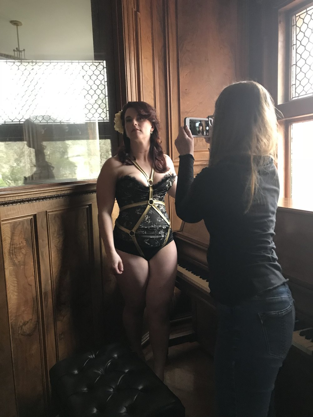 vintage style location bridal shoot boston photographer bewitchery harness jewelry by jade deco