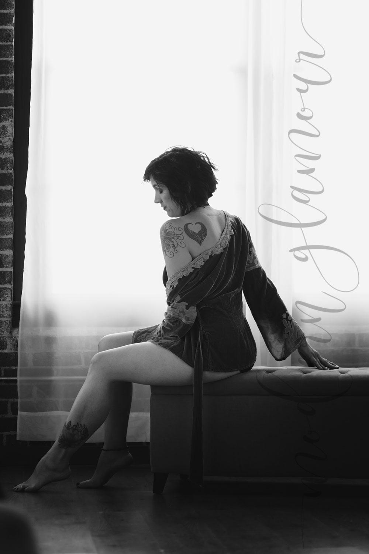 boston boudoir photos vintage velvet bob